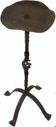 wrought iron short floor candlestand 2